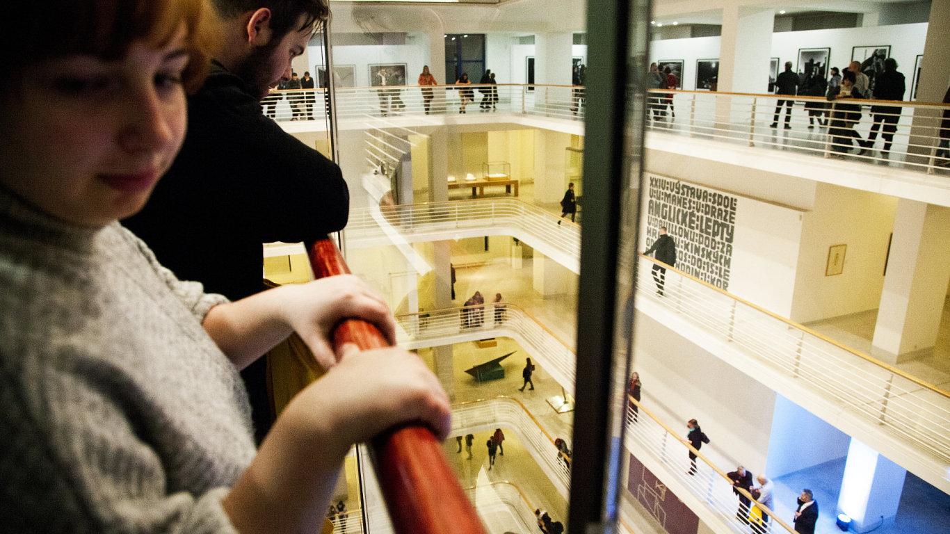 Snímek z openingu Národní galerie ve Veletržním paláci.
