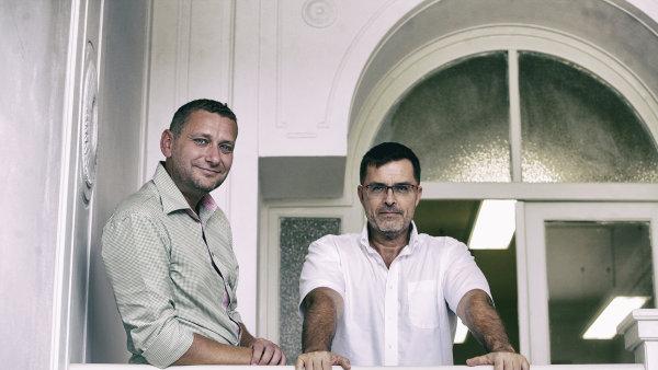 Pavel Sodomka (vpravo) zakládal český vyhledávač Atlas a nyní podniká s Janem Johnem v oblasti internetu věcí.