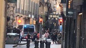 Svedek_v_Barcelone_natocil_jak_policie_evakuuje_lidi_z_centra_mesta.jpg