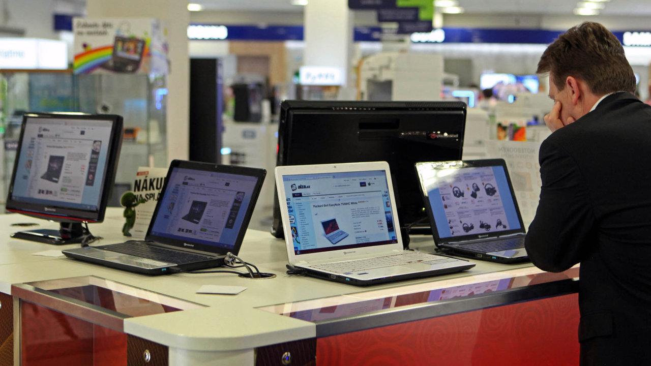 Osobní počítač, notebook, ultrabook, PC, Alza.cz, showroom, Praha, 15. 5. 2014