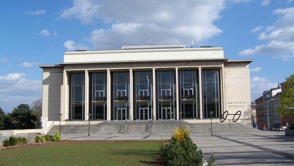 Janáčkovo divadlo rekonstruuje sdružení firem Metrostav, IMOS a OHL.
