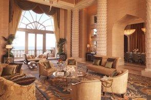Fotogalerie: Jeden z nejfotografovanějších světových hotelů je v Dubaji. Podívejte se dovnitř