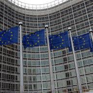Z�m�r �eska na p�esun dota�n�ch pen�z mus� odsouhlasit Evropsk� komise. A o�ek�v� se, �e nebude m�t n�mitky.