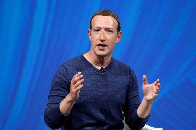 Facebook zakáže nenávistná sdělení v reklamách a bude upozorňovat na problematické příspěvky.