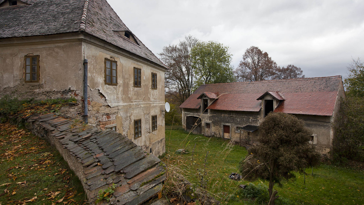 Centra se stala vývěvou kdysi soudržných vesnických regionů. Je to znát okolo Prahy, Brna, Českých Budějovic či Plzně.