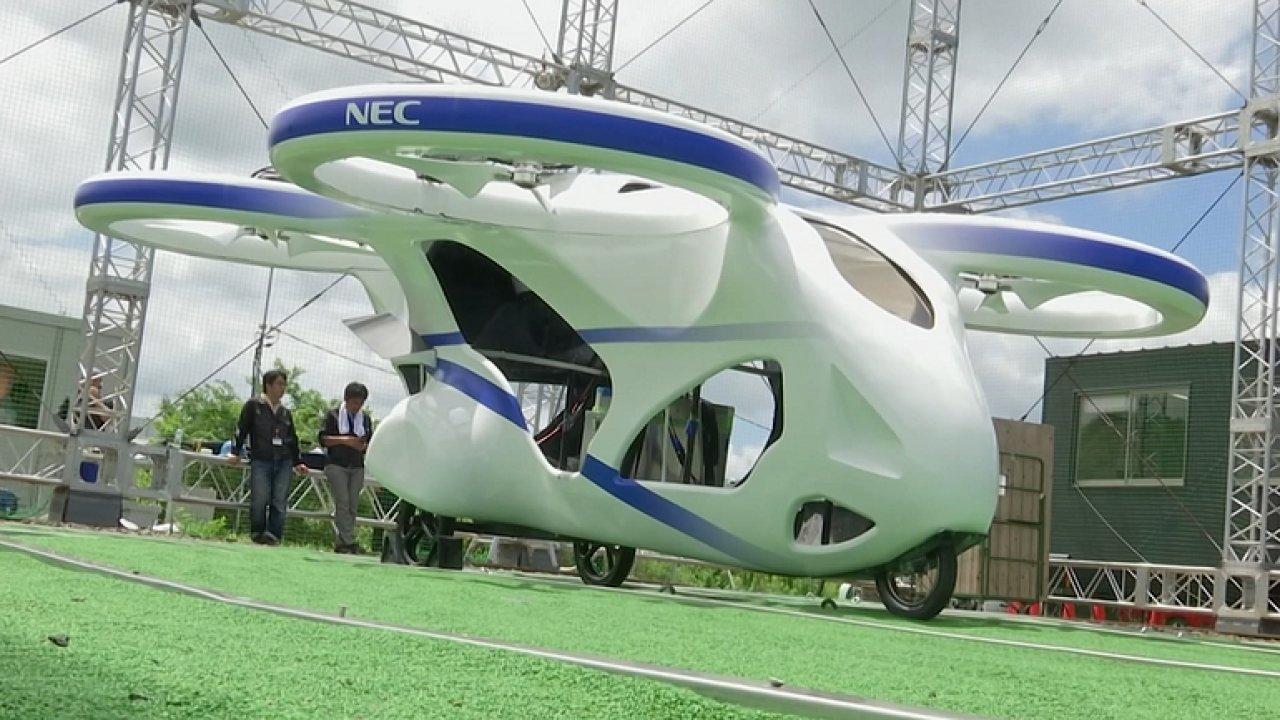 Japonci testují eVTOL, elektrické létající auto.