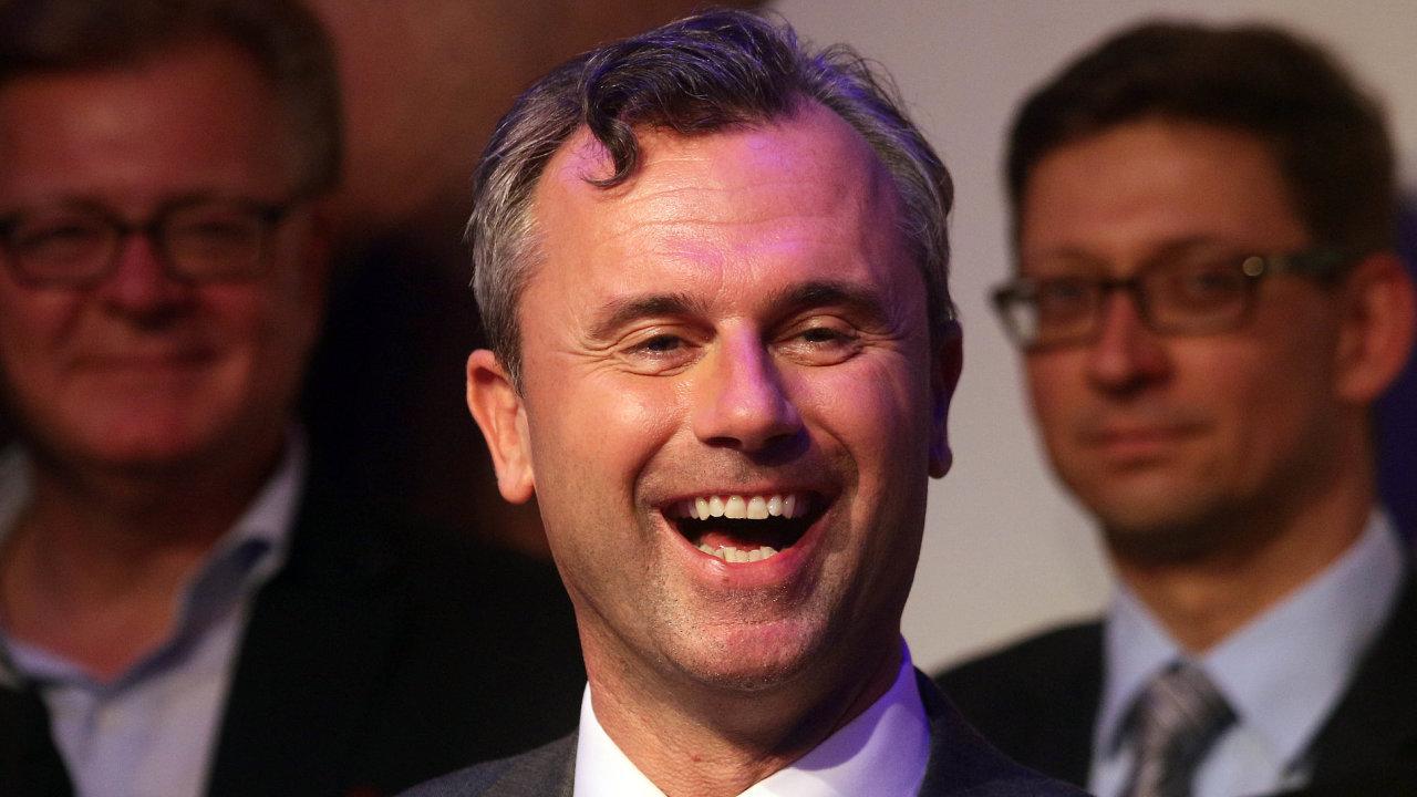 """""""Výsledek přijímám, milí přátelé. Jsme opět zde,"""" prohlásil Hofer poté, co byl zvolen."""