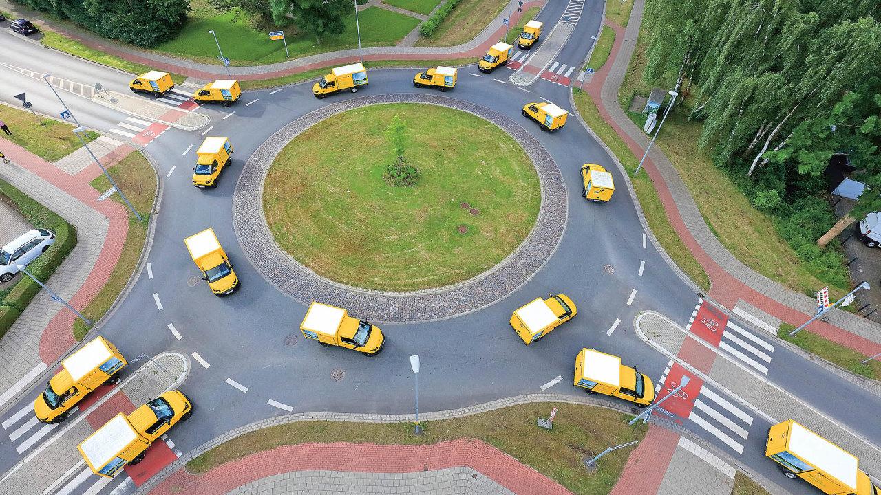 DHL nedávno pustila doprovozu elekrododávku odsvé dceřiné firmy StreetScooter spořadovým číslem 10 tisíc.