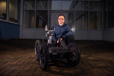 Roboty sice zlepšujeme, o lidském mozku toho ovšem víme stále málo, říká kybernetik Žalud