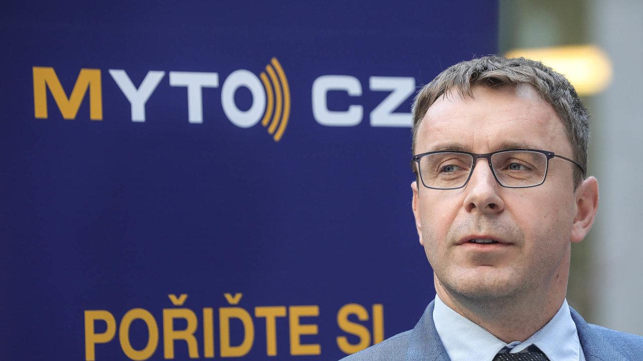 Bývalý ministr dopravy Vladimír Kremlík(zaANO) podal trestní oznámení kvůli údajnému úplatku 1,5 milionu korun.