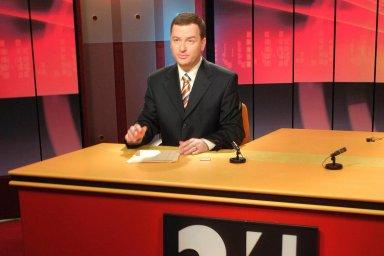 Bohumil Klepetko, posel digitalizace. Moderátor přivítal diváky v květnu 2005 při spuštění nové zpravodajské stanice ČT24.
