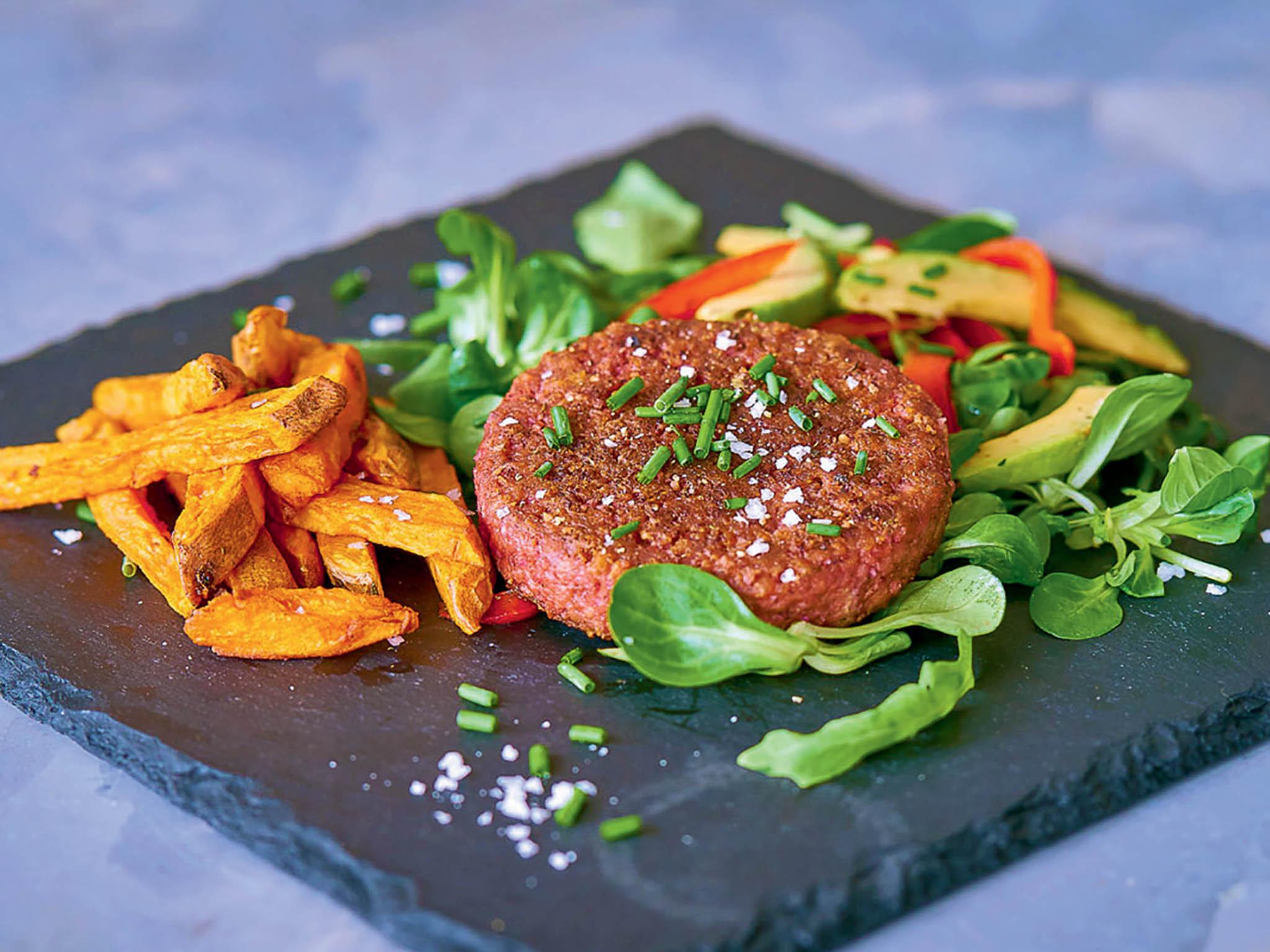 Mana se kromě nápoje veformě prášku posunula ikvýrobě rostlinných burgerů. Během koronavirové krize dodala tisíce nápojů zdravotníkům doprvní linie.