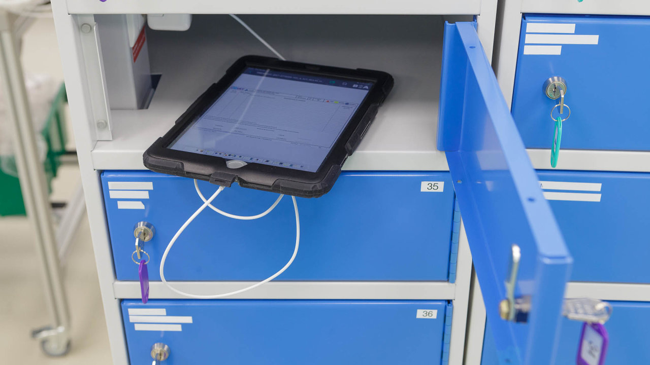 Pryč spapírem! Vefirmě UCT nahradili papírové zakázkové listy tablety.