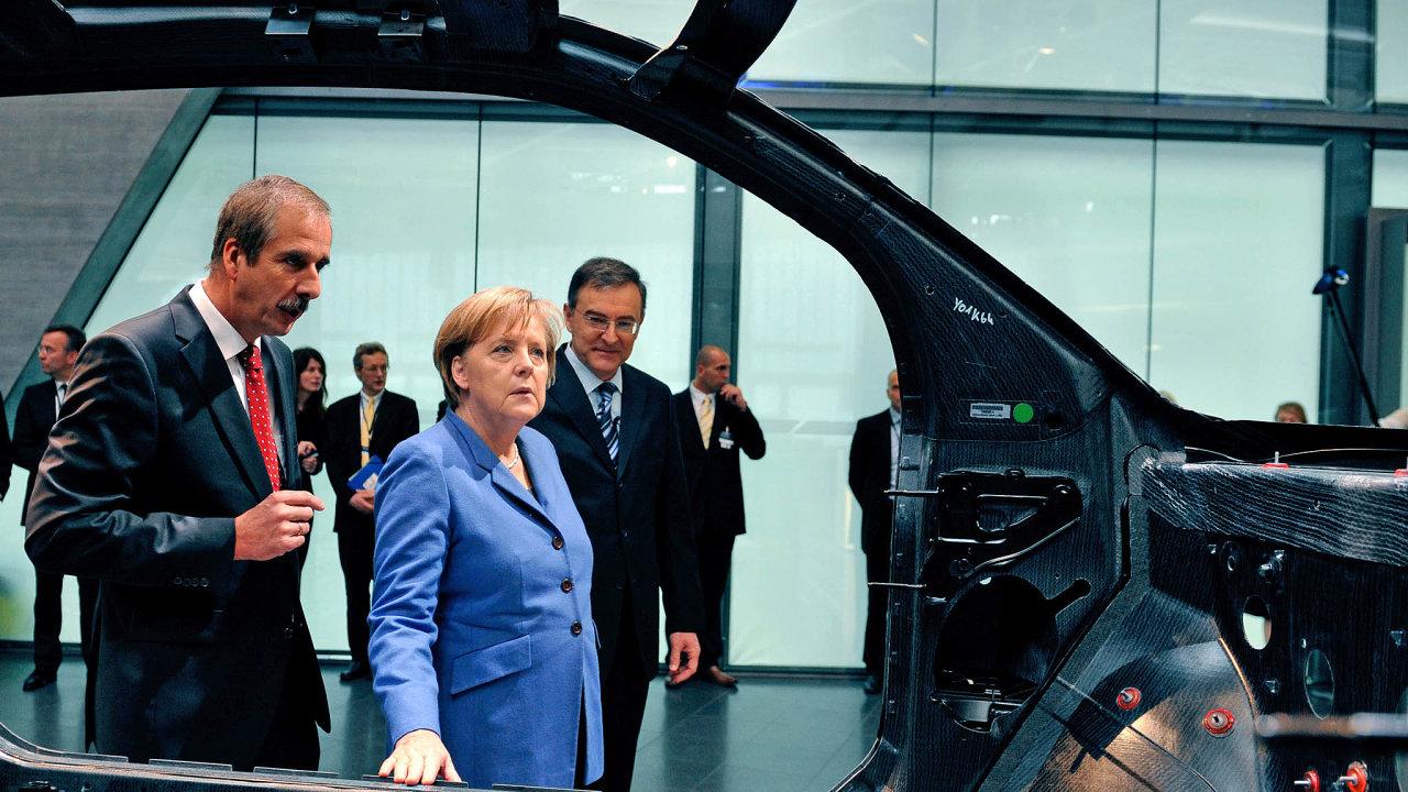 Německé automobilky snapětím očekávají, co vzejde zdnešního setkání spolkové kancléřky Angely Merkelové se zástupci automobilového průmyslu.