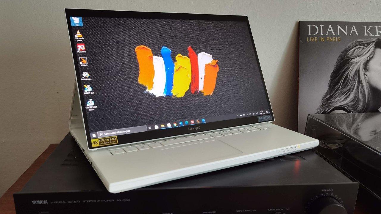Acer ConceptD 7 Ezel je pracovní stanice s netradičním displejem který se umí překlopit dozadu i naklonit k uživateli