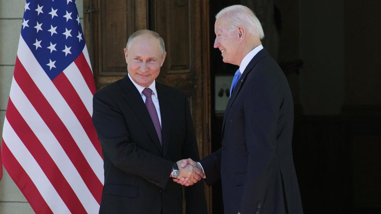 Ruský prezident Vladimir Putin jednal v Ženevě s americkým prezidentem Joem Bidenem.