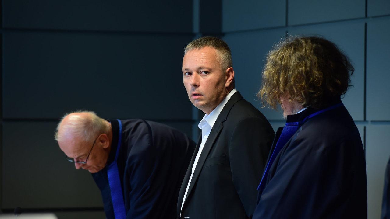 Vidkun, Karel Kadlec (na snímku uprostřed)