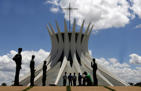 Dílo architekta Oscara Niemeyera.