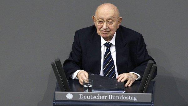 Reich-Ranick�mu k cen� den�ku FAZ gratulovala kancl��ka Merkelov�.