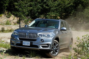 Prohnali jsme nové BMW X5 v kanadské divočině. Ohromilo nízkou spotřebou i výbavou
