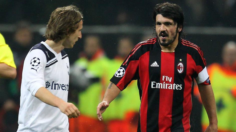 Gennaro Gattuso (vpravo) a Luka Modrič v utkání Ligy mistrů, 2011