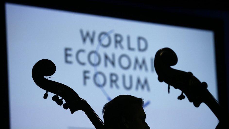 Světové ekonomické fórum 2014 začalo v Davosu už v úterý uvítacím ceremoniálem.
