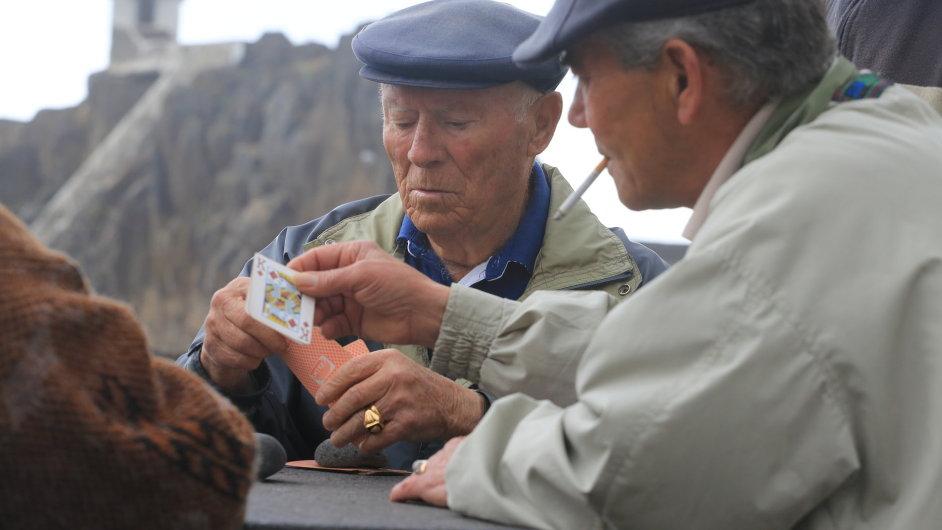 Staří rybáři v Camara de Lobos