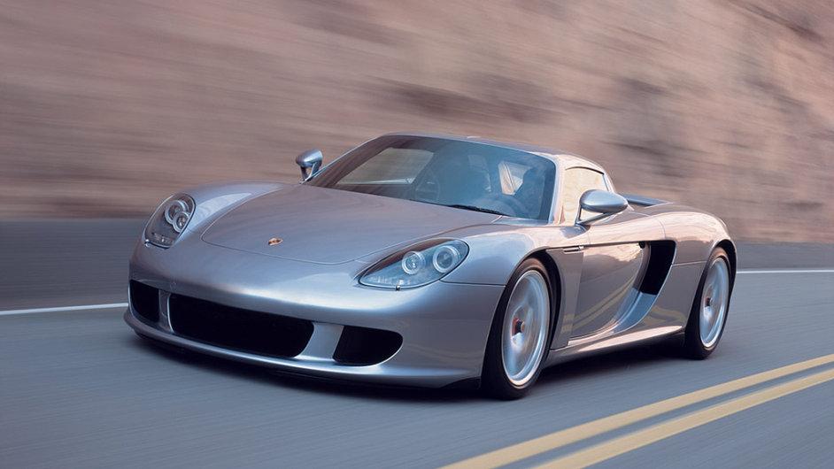 Čeští milionáři mají nejraději Porsche
