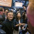 Zakladatel Alibaby Jack Ma m�e b�t spokojen�. Jeho majetek v p�tek zv�il hodnotu na 25 miliard dolar�.