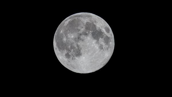 Číňané plánují přistát na odvrácené straně Měsíce.