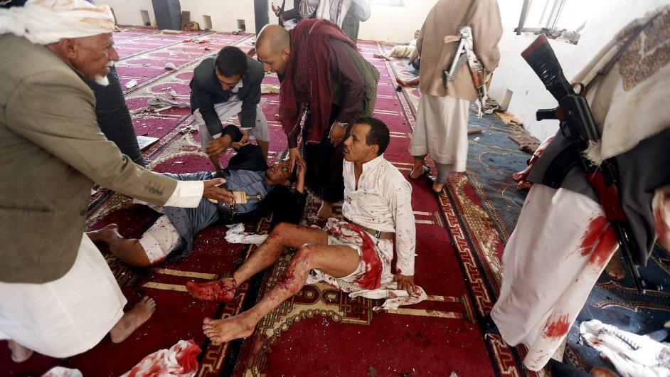 Hlavním městem Jemenu San'á otřásly tři exploze, při nichž zemřelo minimálně 55 lidí.