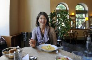 Šéfka kosmetické firmy Mary Kay Barbora Chuecos chodí obědvat míchaná vajíčka do Café Savoy