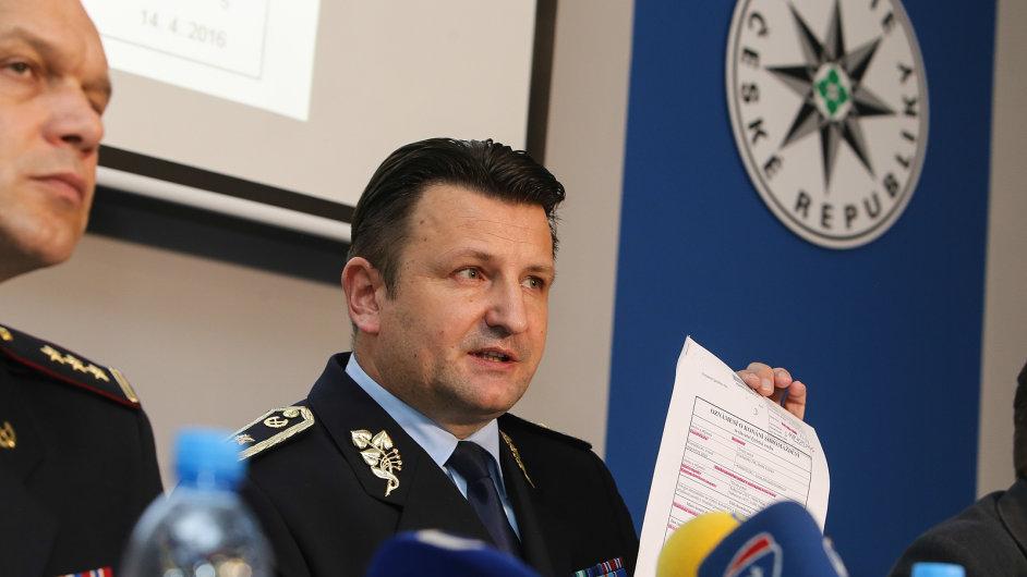 Policejní ředitel Tomáš Tuhý na tiskové konferenci k