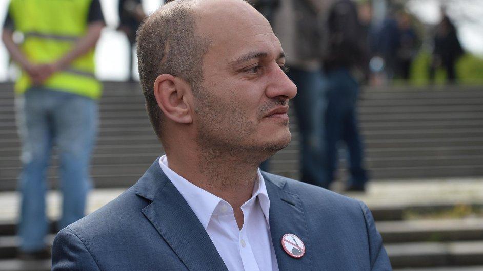 Předseda Bloku proti islámu Martin Konvička na demonstraci proti nelegální imigraci a proti údajné islamizaci Evropy 1. května na pražské Letné.