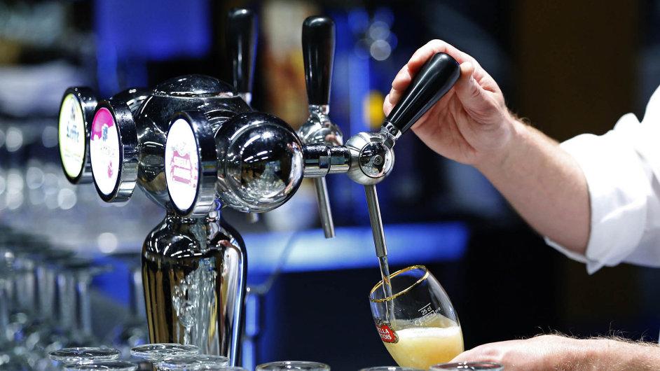 Vlajkové lodi. AB InBev má ve svém portfoliu asi 200 značek z celého světa. K jeho nejznámějším pivům patří kromě Budweiseru, Stelly Artois a Beck's také Brahma a Corona.