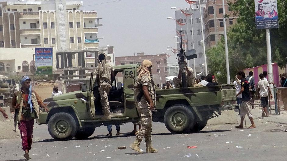 Jemen, Aden, útok, atentát, třetí nejtragičtější útok, 29.8.2016, islámský stát