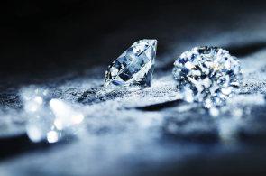 Geniálně jednoduché: Ikonický design prstenů s jedním kamenem od Tiffanyho nikdy nevyjde z módy