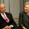 Gener�l Powell, kter� byl ve funkci ministra zahrani�� v letech 2001 a� 2005 za vl�dy prezidenta George Bushe mlad��ho, je v USA popul�rn� a jeho n�zory maj� pom�rn� velkou v�hu.