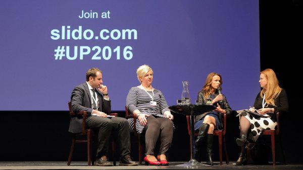 Fórum Up! 2016 (zleva: Salim Murad, Gabriela Tamchynová, Lenka Čábelová, Martina Březinová)