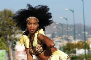 Kubánská choreografka Doris Martinezová vyučuje kombinaci fitness a afrických tanců. V Praze se chystá otevřít studio