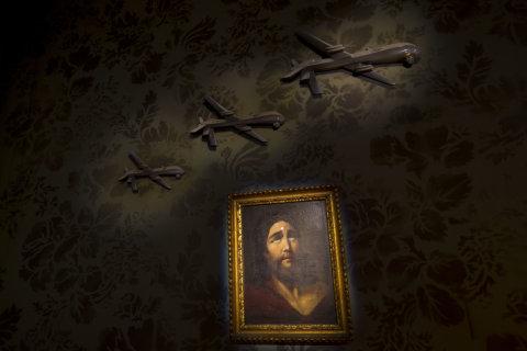 Snímek z Banksyho takzvaného Walled Off Hotelu v palestinském Betlému.