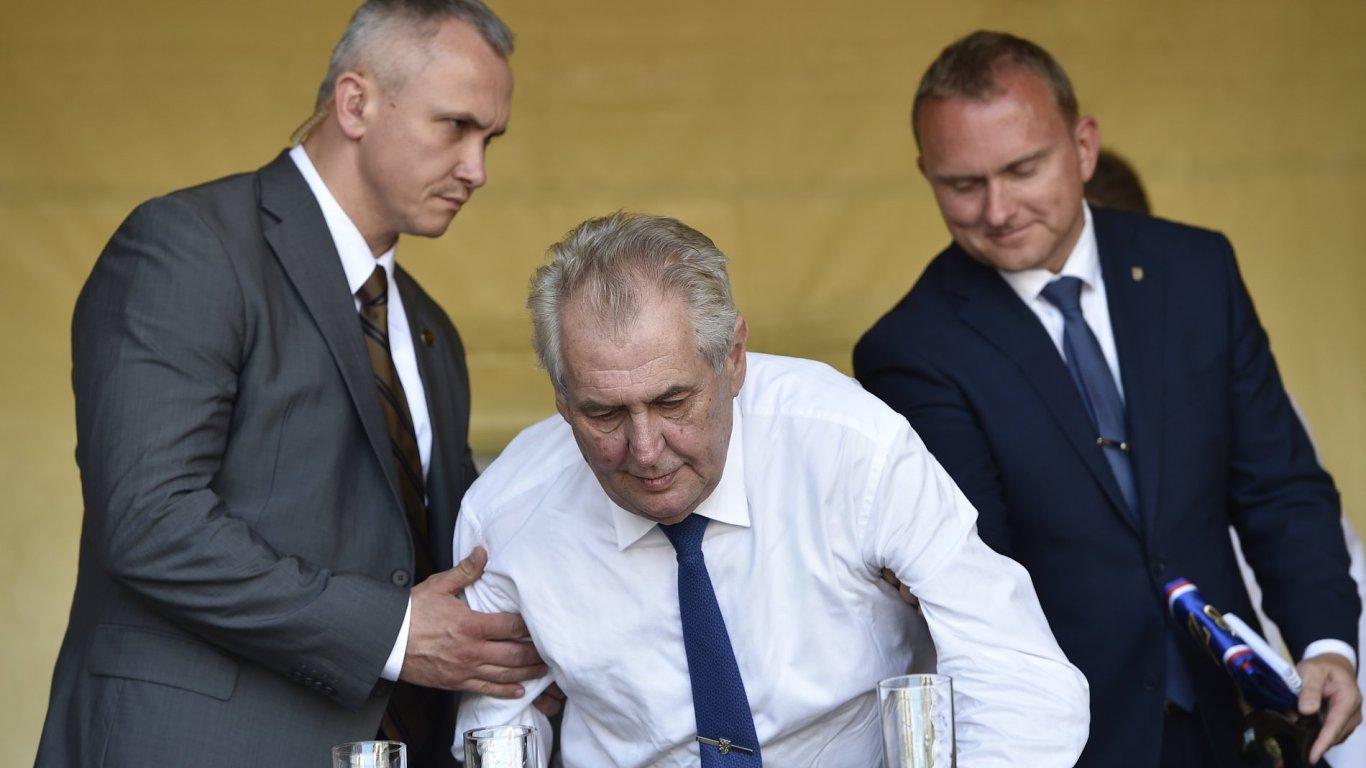 Miloš Zeman při návštěvě Jihomoravského kraje.