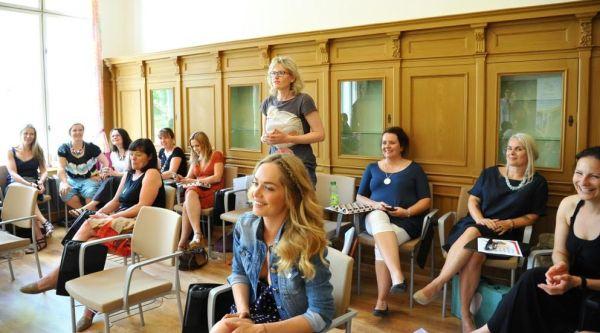 Inspirující bylo pro účastnice projektu ArtBees i setkávání s osobnostmi. Jednou z nich byla i Taťána Kuchařová.