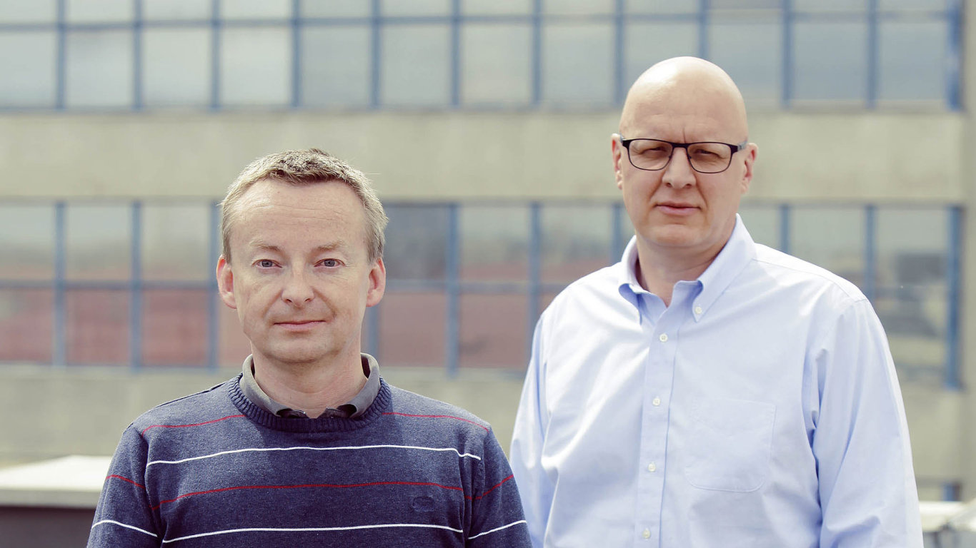Šéfové Cleverlance: Petr Štros (vpravo) českou IT skupinu řídí, jeho pravá ruka Jiří Voldán má na starosti firemní strategii a vývoj produktů.