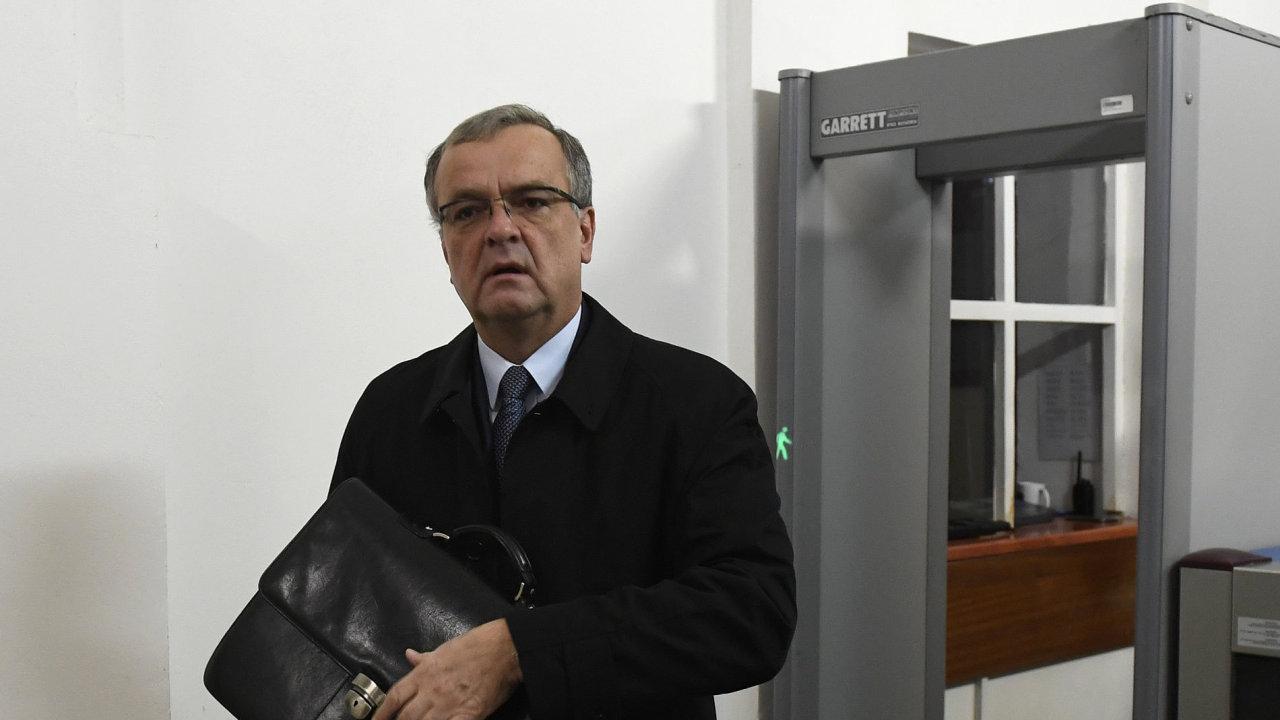 Obvodní soud pro Prahu 1 pokračoval 7. listopadu v projednávání kauzy tzv. trafik pro poslance. Na snímku svědek Miroslav Kalousek.