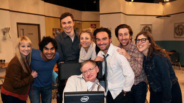 Hlavní postavy seriálu se setkaly s vědcem Stephenem Hawkingem.