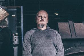 """""""Technické obory jsou dnes zanedbávané,"""" říká Miroslav Dvořák, spolumajitel firmy Motor Jikov se stoletou tradicí, která se snaží pozvednout vzdělávání vtechnických profesích."""