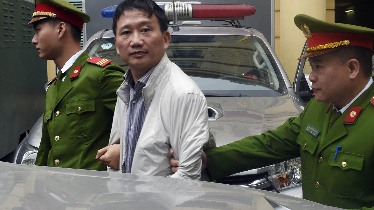 Hanoj oTrinha stála: Trinh Xuan Thanh byl manažerem vietnamských státních firem. VNěmecku žádal oazyl. Vedení strany astátu mělo mimořádný zájem najeho dopadení.