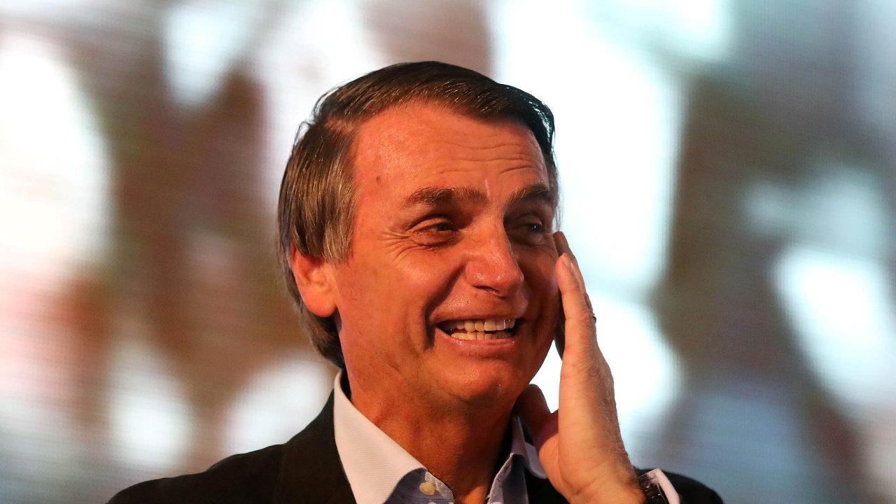 Jair Bolsonaro je favoritem prezidentských voleb v Brazílii.