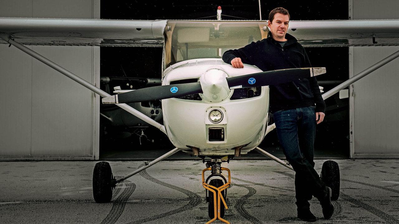 Do pilotov a letušky pripojiť